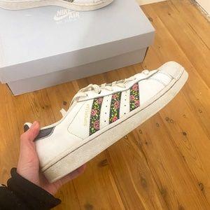 Adidas Flower Superstars